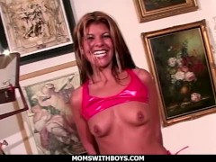 Momswithboys - Scorching Glorious Mummy Having 2 Meatpipes In Her Labia And Anal