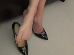 Cosplay Beauty Belle Feetjob Cumshot