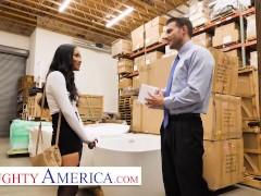 Naughty America - Avery Black Seduces A Lucky Man