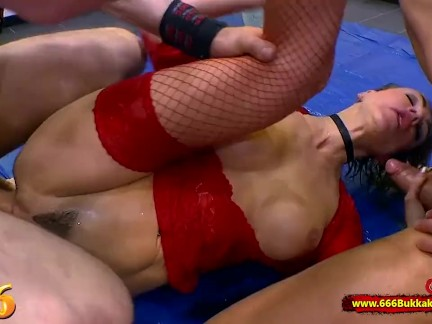 Gorgeous elen million getting fucked in the ass and mouth at the same time