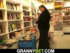 Lucky Guy Picks Up Monstrous Titties Bookworm Mature Lady For Pussy Play