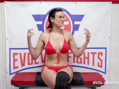 Rough Lesbian Grappling With Cent Barber Vs Cougar Carissa Montgomery