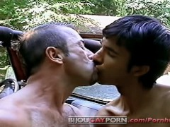 Threesome On A Jeep In Robert Prion's Bulls Eye Advances