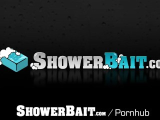 ShowerBait Shower spy gets hunk gets his nut off with pervert