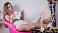 Chicago foot fetish massage - Busty chick shows off bare feet