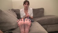 Help u sell cum - Reverse footjob i want u to cum on my feet and soles