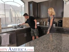 Naughty America Sarah Jessie Has Plumber Come Over To Fix Her Leaking Pipes