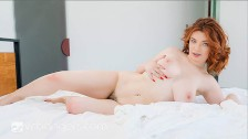 VR BANGERS Curvy Foxy Lady Has A Wet Pussy In The Morning VR Porn
