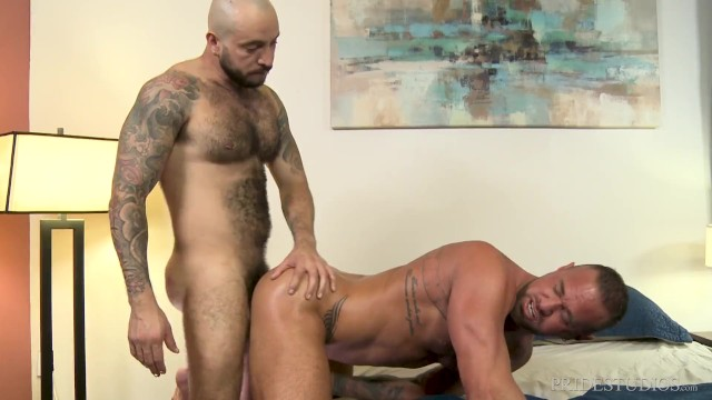 Michael Roman Enjoys Julian Torres' Hairy Body - Bearback
