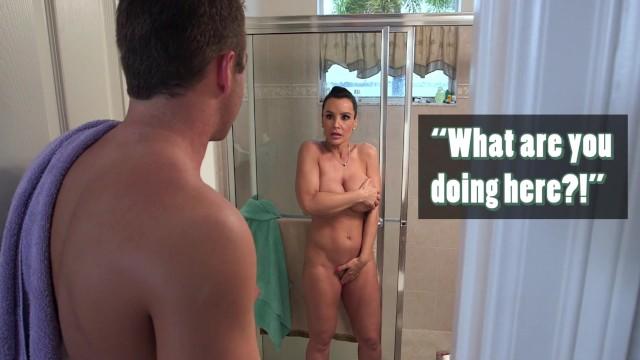BANGBROS - Curvy Stepmom Lisa Ann Shows Them How To Fuck Right