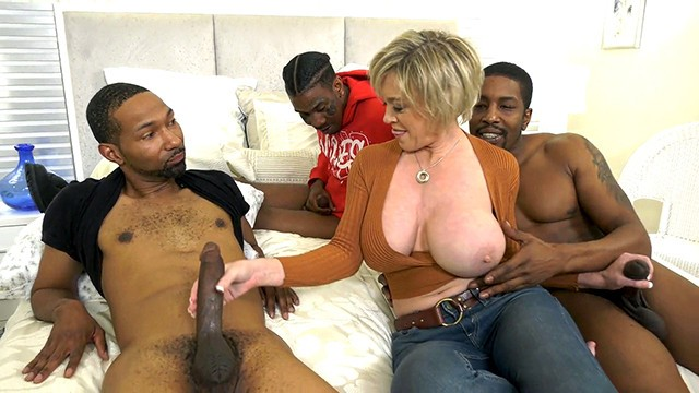 Hot Cougar Wife Dee Williams Gets Pounded By BBC - Cuckold Sessions