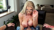Sexy milf teacher porn galleries Realitylovers - sexi milf teacher in vr pov