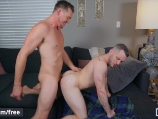 Mencom – Dude bareback cheats on his wife with hunk – Pierce Paris Colton