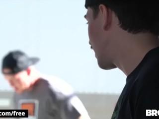 BROMO – Bareback Skater punks ass fuck outdoors