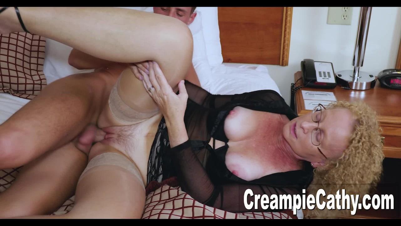College Guy Creampies Cougar - Redtube-3925