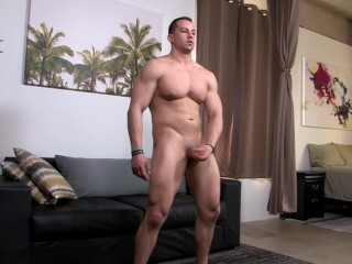 ActivDuty – Amateur Muscle Hunk's Hot Casting Session