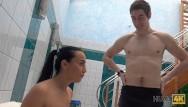 Nude teen in centrali il - Hunt4k. sexy brunette lassie è pronto a soddisfare il proprietario