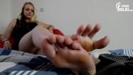 Teen foot fetish tubes Long toes in flips flops teen pantyhose foot fetish, soles, toes,pov feet