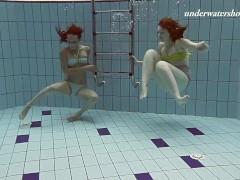 Horny Wet Lesbians Underwater Swimming Pool