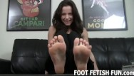 Streaming mature porn tubes Foot worshiping and foot fetish tube porn