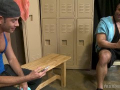 MenOver30 - Two Hunks Match On Grindr In Locker Room