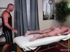 MenOver30 - Sean Duran Gets A Full Body Massage