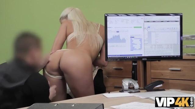 VIP4K. Chick veut ouvrir une boutique en ligne alors pourquoi baise
