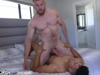 Bbc Light Skin Jock Plays With Big White Muscle Man. Amazing Video!