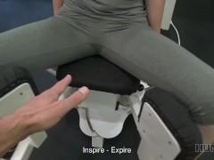 Hunt4k. Natalia La Ingenua Conejita De Gimnasio Tiene Sexo Con