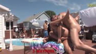 Naked at public pool 3-way porn - bgg trio outdoor pool fuck