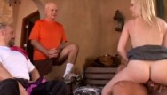 Swinger club de Blonde wife swings for hubby