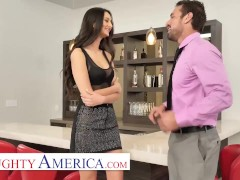 Naughty America - Eliza Ibarra Plays With Her Married Boss