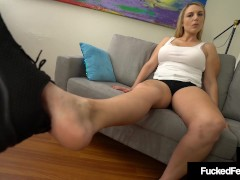 Hot Ginormous Pawg Joslyn Jane Uses Her Size 10 Feet To Boink A Hard Cock!