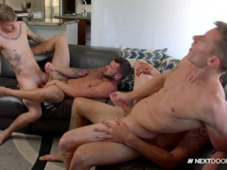 Roommates Catch Repair Men Fucking In Their Apartment – NextDoorBuddies