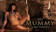 Sexy yummy mummy Fucking curvy babe billie star as anck-su-namun in the mummy a xxx parody