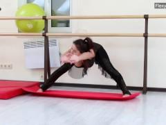Hot Hungarian Teenager Is Amazingly Flexible