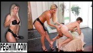 Transsexual gaping asshole Natural milf india summer uses giant toys to stretch and fuck his asshole gaped huge