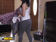 Bangbros - Thicc Housekeeper Nadia Ali Deep-throats And Nails For Additional Money Money