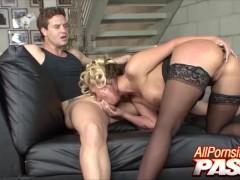 Pornstar Phoenix Maries Rails On Top Sensually