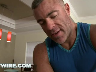 Gaywire – Calvin Coons Gets Sensual Massage From Trace MichaelsGAYWIRE – He Came In For A Rubdown And Got So Much More