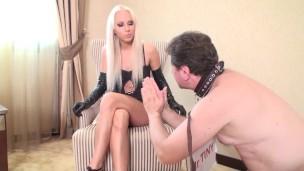 Немецкое порно, мужик подчиняется девушке, порно видео бдсм садо