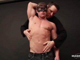 Maskurbate – Lucky Pascal Worships Masked Bodybuilder's Cock