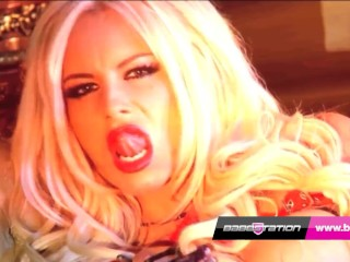 Michelle Thorn & Stacey Lacey Live show Babestation