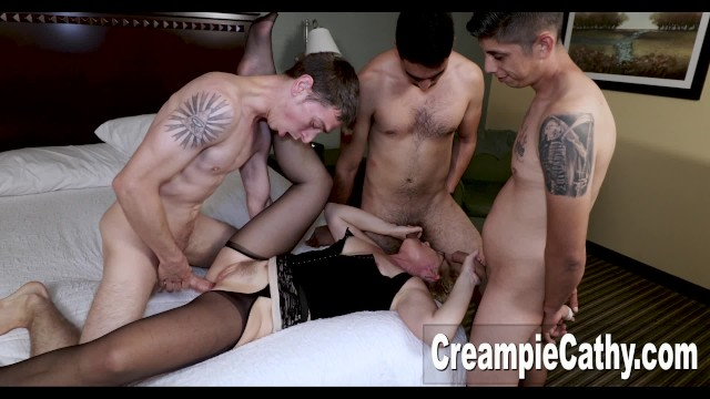 4 Young Guys Creampie MILF