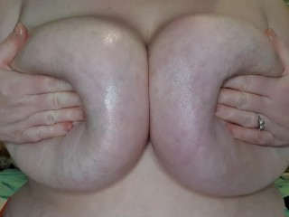Horny bbw oily titty drop plays with boobs and begs for cum