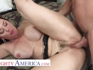 Naughty America – Hot MILF Janet Mason gets a hard fuck and a drippy creampie