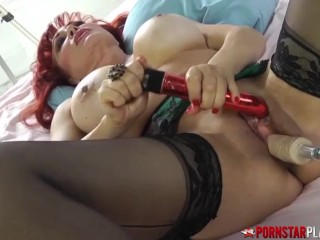 Busty Cougar Pussy Plays With Toys Solo