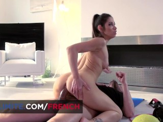 Clea Gaultier home anal workout