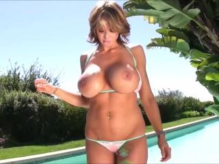 Watch Brandy Robbins gets topless on her bikini photoshoot