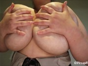 See bustylicious Sara Willis playing her big melons on webcam